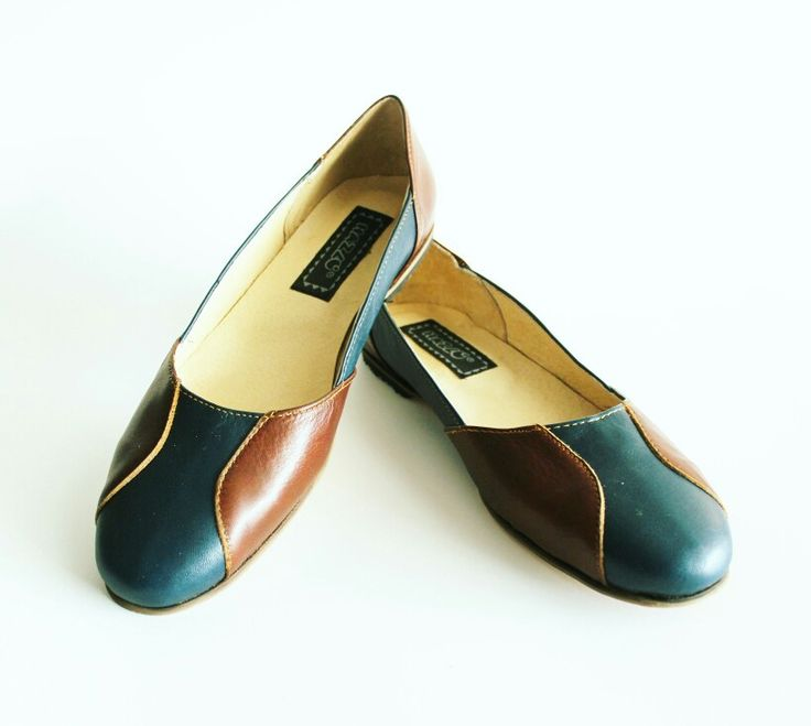 Mod Beta Color Azul+ Café  #leathershoes #leather #style #womenstyle #womenshoes #design #diseñomx #moda #modanacional #flats #flatshoes #diseñomexicano #love #loveit #leatherwork #streetstyle #chic