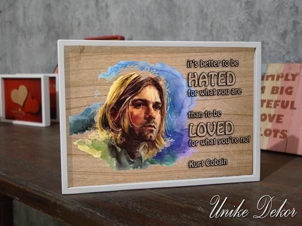Hiasan Dinding Poster Kurt Cobain Ukuran : 30 x 19 x 2 Cm, #KurtCobain #hiasandinding #dekorasirumah #homedecor