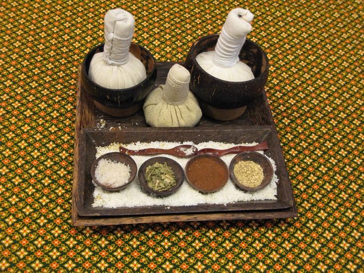 Een wellness behandeling ,scrubben en masseren met pure kokos