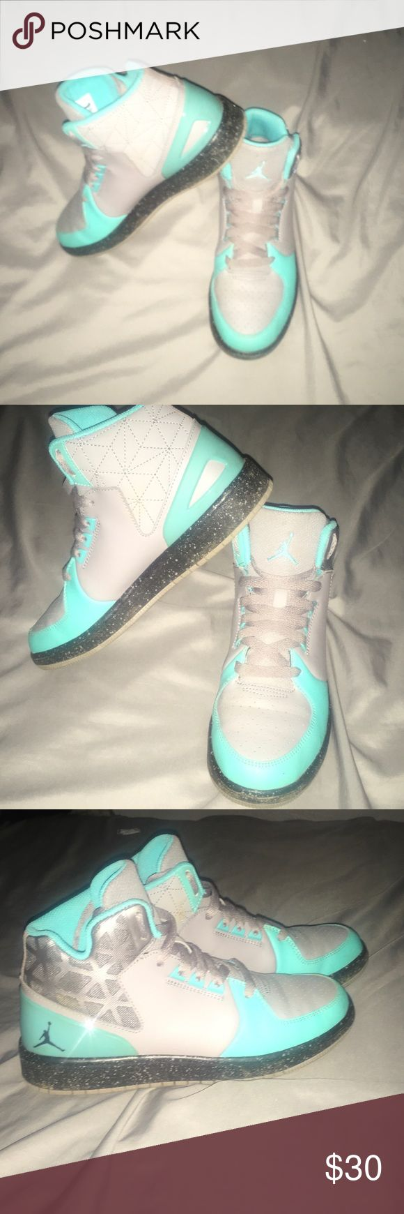 Kids Basketball shoes 6 Youth / High Top/ Jordan Basketball shoe/ teal and gray color/ Jordan Shoes Sneakers