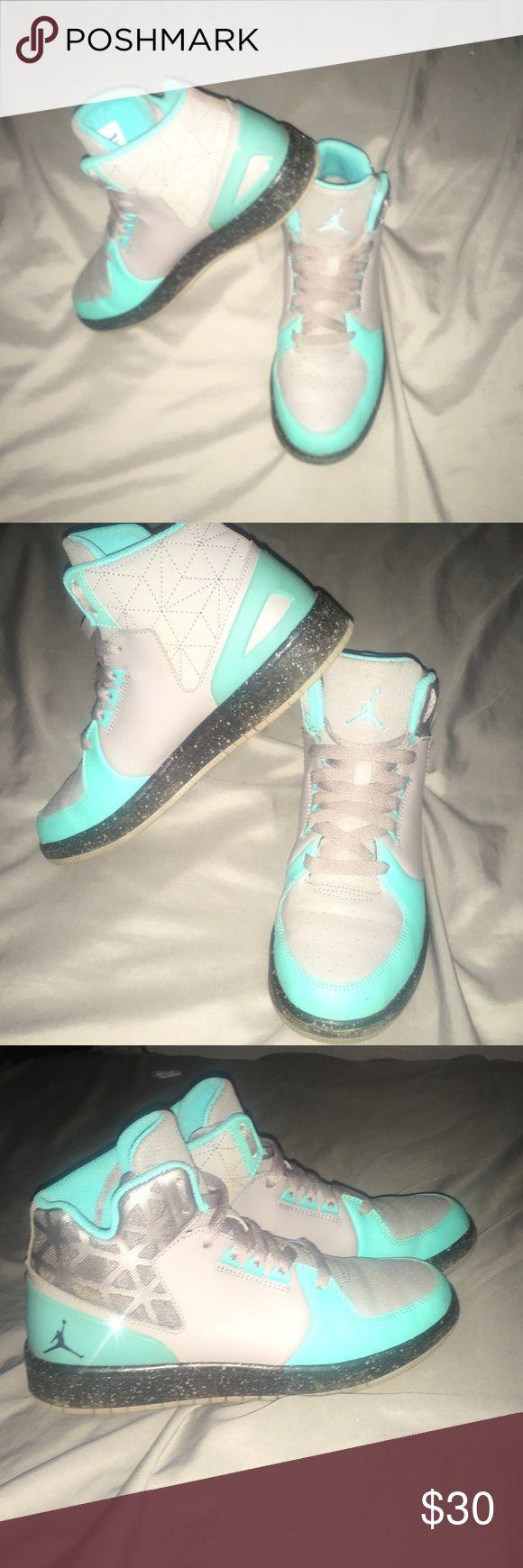 Kids Basketball shoes 6 Youth / High Top/ Jordan Basketball shoe/ teal and gray color/ Jordan Shoes Sneakers
