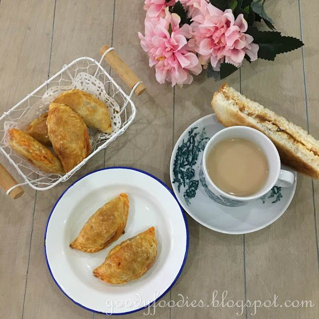 Baked Curry Puff with Puff Pastry