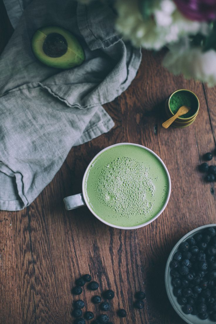 Get the recipe for this easy, 5-ingredient matcha green tea latte made with coconut cream, cashew butter and honey. Made in a blender in 1 minute!