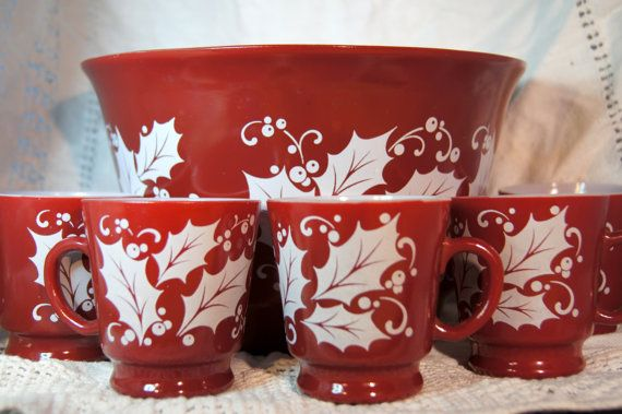 Hazel-Atlas Eggnog Bowl and Six Cups Red with White Holly Leaves