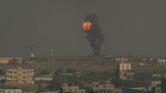 Israel lanza masivo ataque aéreo contra Gaza