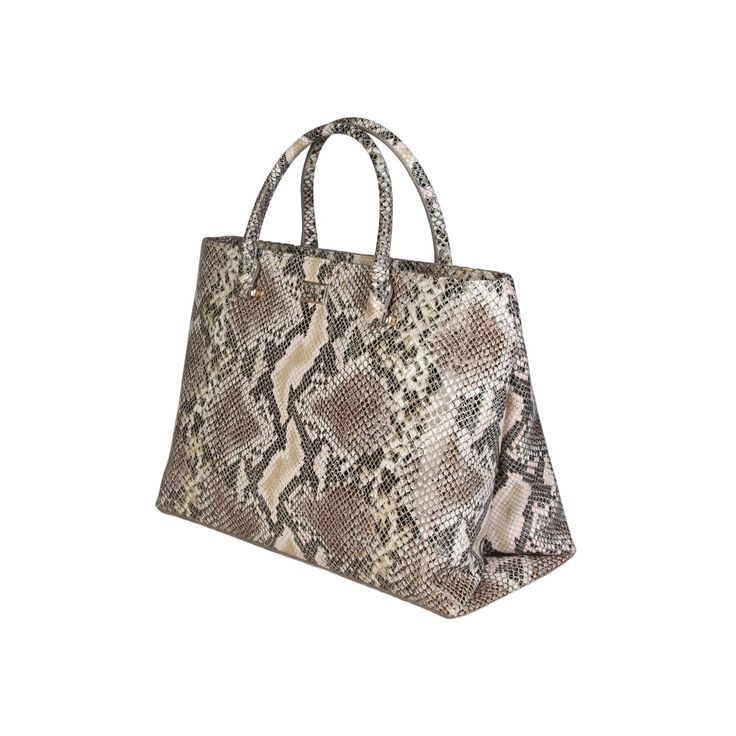 Cavalli Class – C00PW16C45C2  S/S Collection women's bag handbag has 2 handles, zip fastening, removable shoulder strap and a dust bag. Inside it, there are zipped pocket and patch pocket. It's outside and lining composed of leather and 100% CO, respectively. It is of size 33,5*24*16 cm.  https://fashiondose24.com