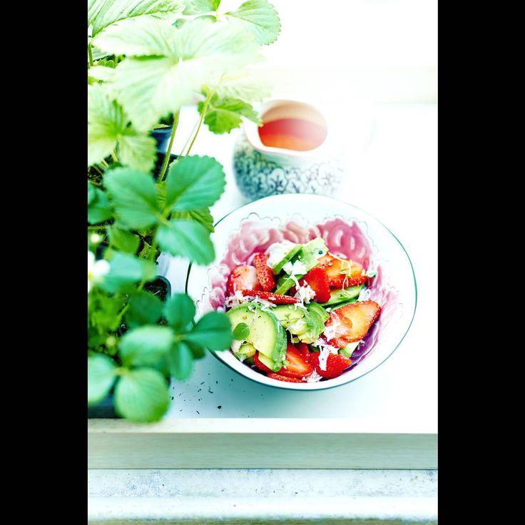 Salade d'avocats, crabe et fraises