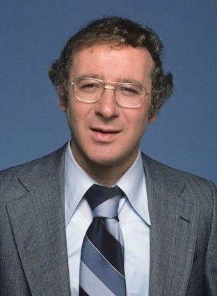 "Steve Landesberg (1936 - 2010) He played Detective Dietrich on the TV series ""Barney Miller"""
