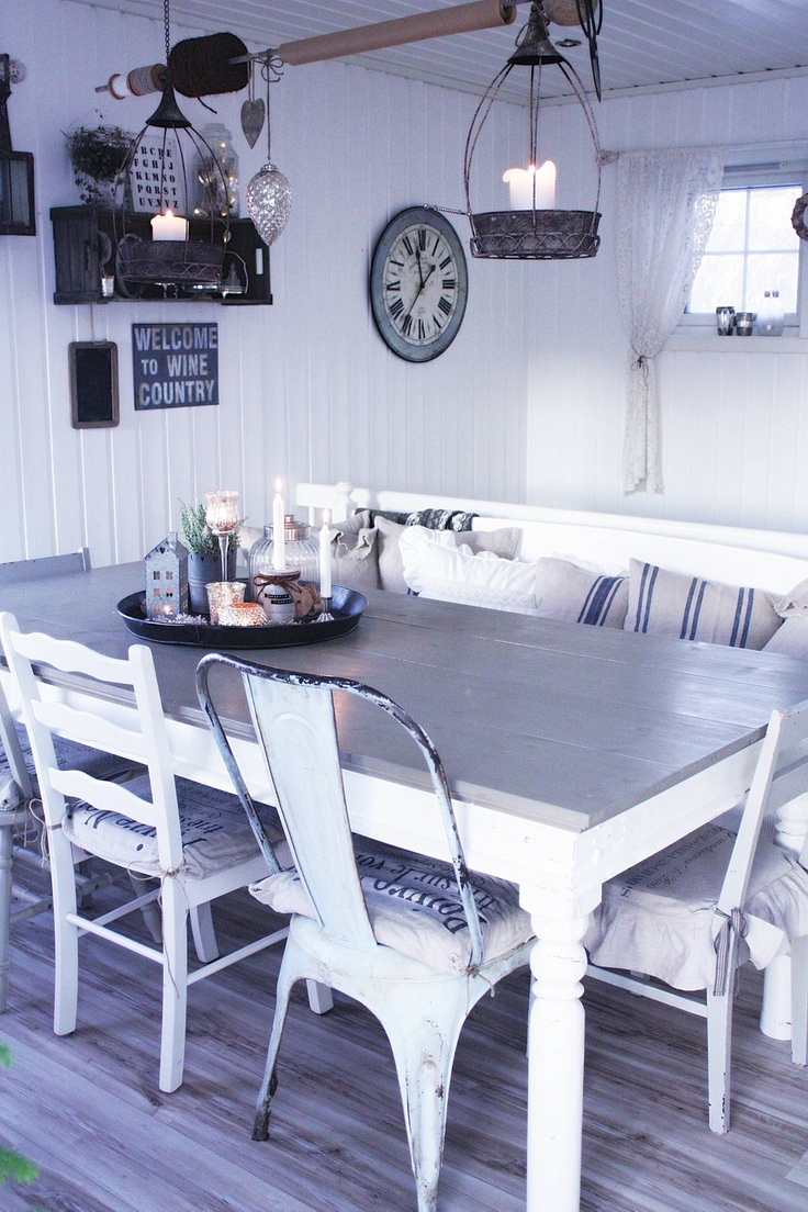 The blogger Tyrifryd was one of the finalists in BoligDrøms 2012 competition for Norways most goregous home.