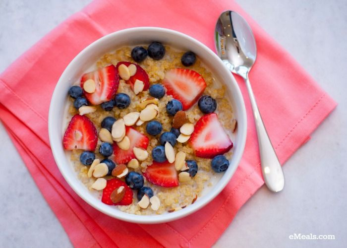Clean Eating Berry Almond Breakfast Quinoa. A great make ahead #breakfast for the week!