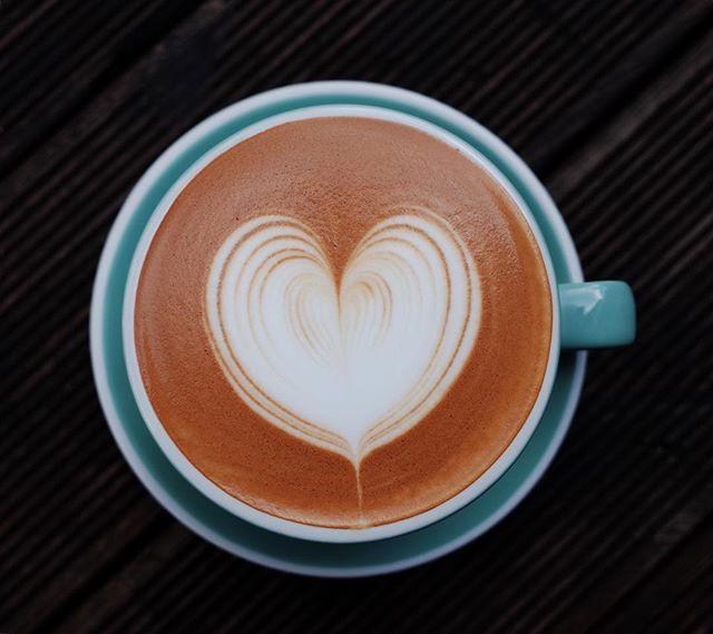. . .근무시간 :휴무 . . #일상 #데일리 #팔로우 #커피 #에스프레소  #커피스타그램 #바리스타 #라떼아트 #카페라떼#라떼 #바리스타그램 #라떼아트교육 #instagram #today #daily #likes #coffee #espresso #barista #baristalife #latteart #latte #ラテアート #cafelatte #follow #홍대 #홍대카페#사진#포토