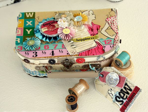 DIY Sewing Box  ~ I say keep this with you always. Wish I would have had it when my friend's dog chewed my gloves!  LOL