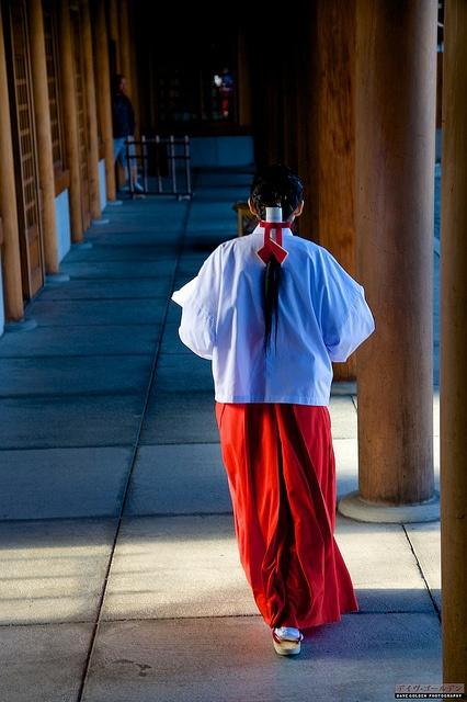 Miko 巫女 (shrine maiden) at Hokkaido Shrine, Japan