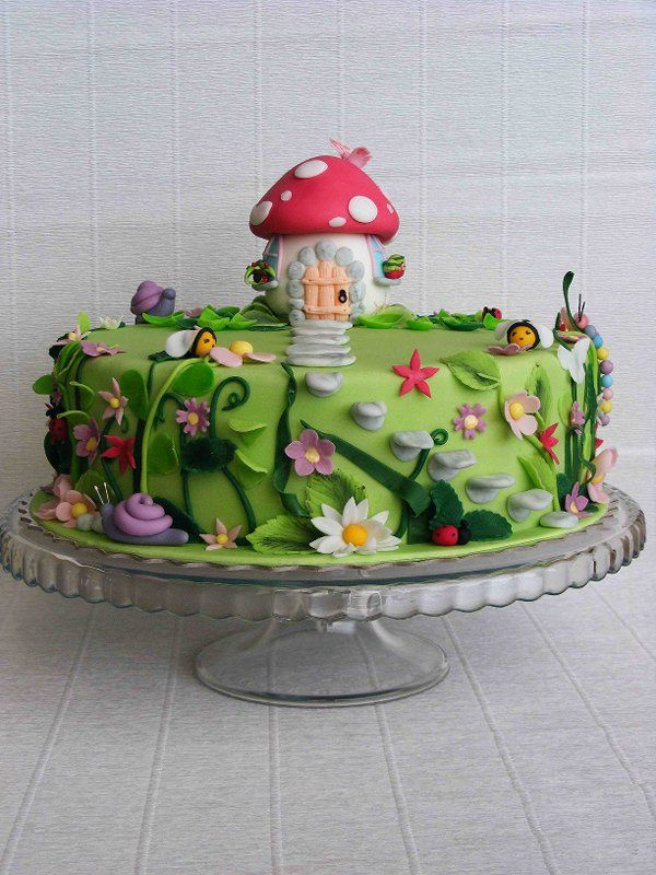 Garden Decoration For Cake : 1000+ ideas about Enchanted Garden on Pinterest Secret ...