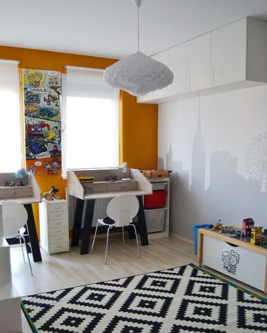 home, kedvencotthon, interiordesign, interiorstyling, kidsroom, walldecor, diy, silhouette, metropolis, houses, desk, tables, comics, lego storage, adamlamp (photo: Kedvenc Otthon)