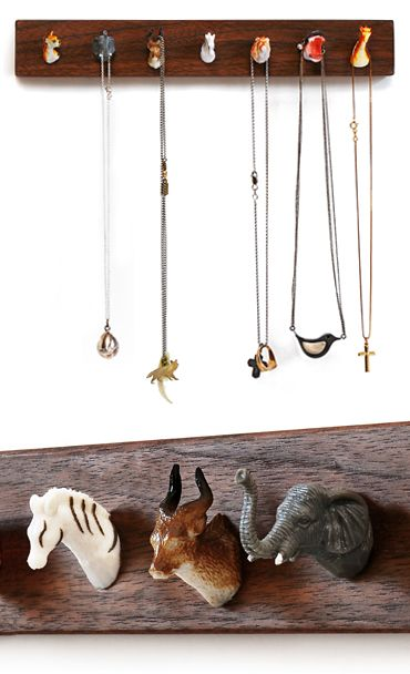 Animal head jewellery holder.. Might just do this!