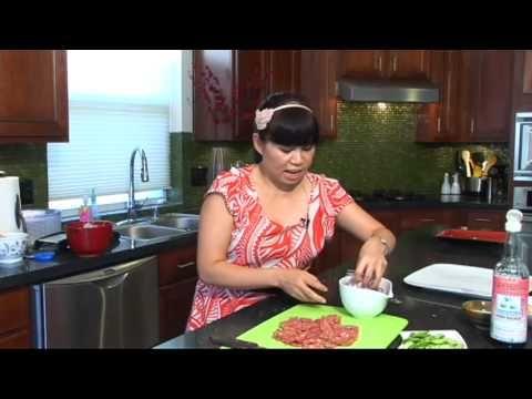 Crispy Rice and Sour Pork Salad - Goi Nem va Com Gion w/ Cathy Ha