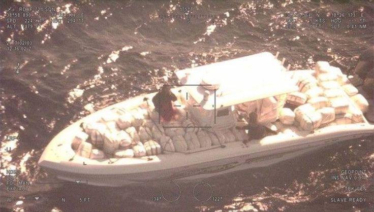 Oι ελεύθεροι σκοπευτές της Μονάδας Υποβρύχιων Αποστολών καθάρισαν την κατάσταση  Ελιγμοί και πυροβολισμοί σε κινηματογραφική καταδίωξη εμπόρων ναρκωτικών! (εικόνες βίντεο)