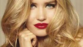 Kuvahaun tulos haulle Women golden blonde hair color