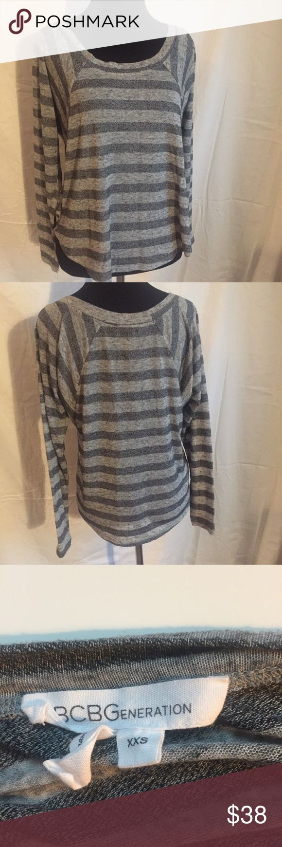 BCBGeneration gray striped long-sleeve tee sz XXS BCBGeneration gray striped long-sleeve tee sz XXS. Relaxed fit. Gently used. No signs of wear. 100% Authentic BCBGeneration Tops Tees - Long Sleeve
