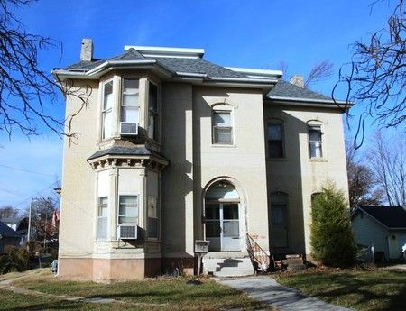 Front Of Home At 625 S  Jefferson St   Mexico  MO   Cool HousesQueen  AnneFixer UpperMissouriReal. 346 best Victorian   Queen Anne Homes images on Pinterest   Queen
