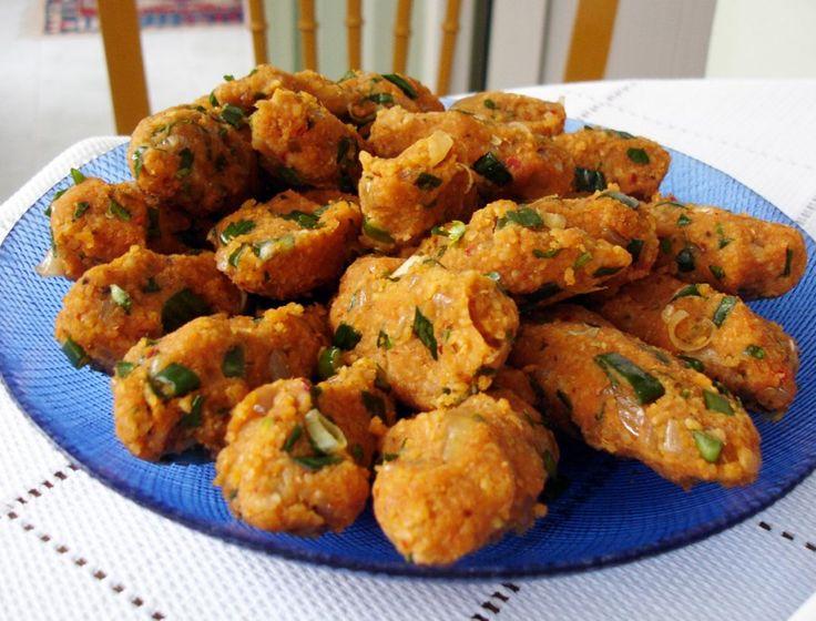Lentil-Bulgur Meatballs Recipe. A Turkish dish redefines the vegetarian meatball #FoodRepublic