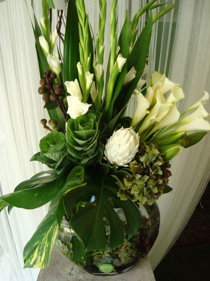 die besten 25 gladiolen vereinbarungen ideen auf pinterest gladiole hochzeitsarrangements. Black Bedroom Furniture Sets. Home Design Ideas