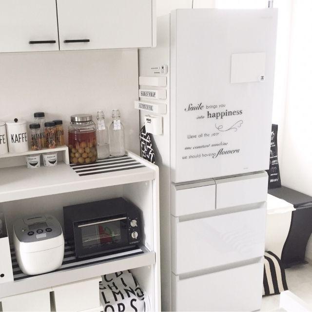yumekana77さんの、キッチン,ダイソー,IKEA,冷蔵庫,白,シンプル,モノトーン,シンプルモダン,イベント用,White×gray,シンプル 白,パナソニックキッチン,パナソニックの冷蔵庫,のお部屋写真