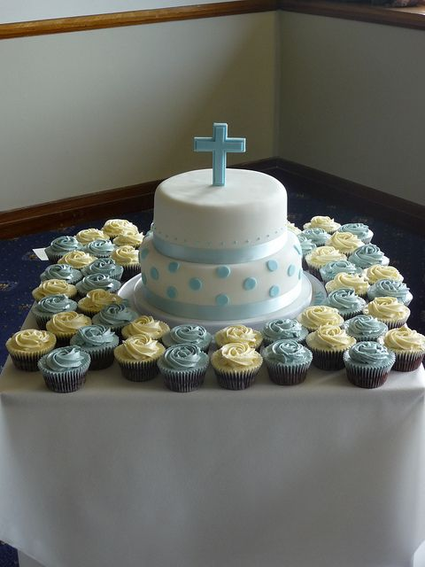 First Holy Communion Cake by Susie 99, via Flickr