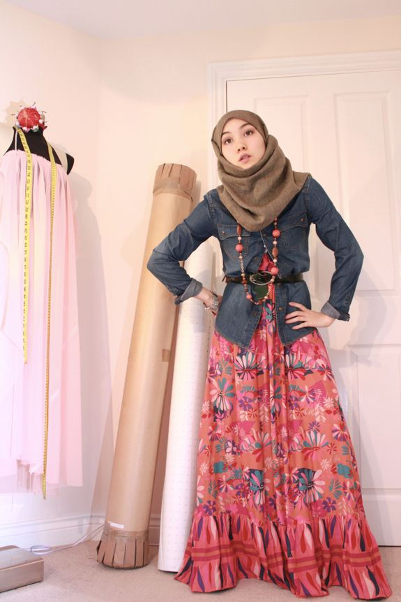 Modest maxi dress hijab girl