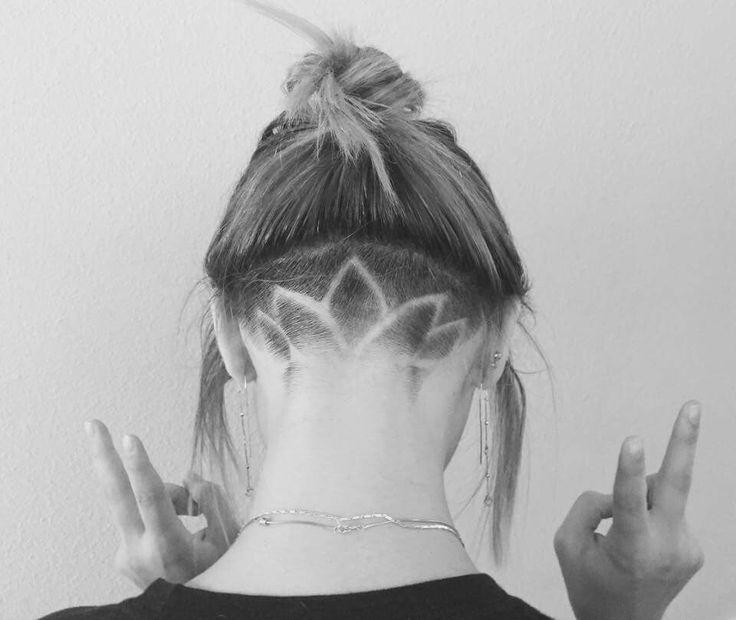 Lotus flower hair