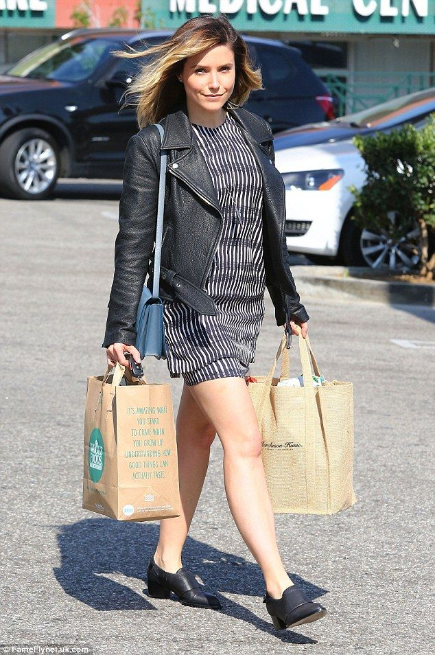 Fashionable shopper: Sophia Bush was pictured stocking up on groceries in West Hollywood o...