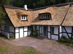 Gårde, gamle huse, nye huse, traditionelle huse og anderledes huse