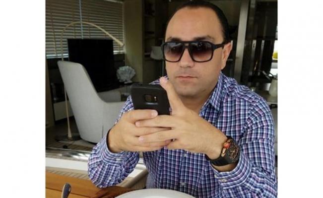 El periodista Carlos Loret de Mola dio a conocer una imagen del exgobernador de Quintana Roo donde porta un reloj valuado en más de 200 mil dólares, casi cinco millones de pesos que alcanzan para ir a la final del Mundial... con 21 amigos