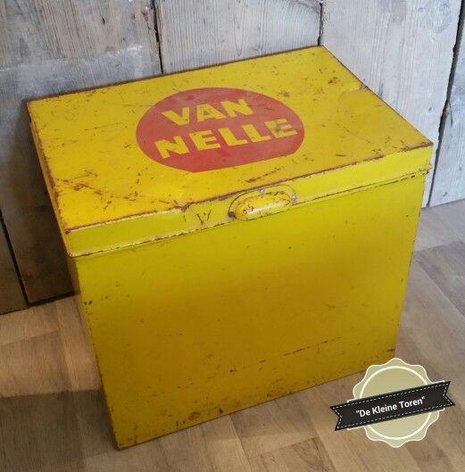 Antieke industriele gele Van Nelle blik...