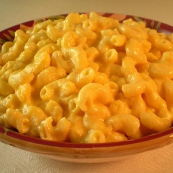 """Paula Deen's Slow Cooker Macaroni And Cheese.. great for a tailgate or """"tablegate"""" party this winter!"""