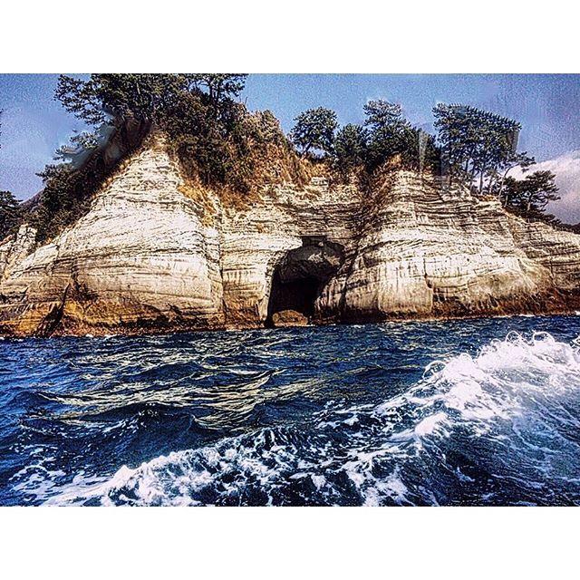 【sea_love11】さんのInstagramをピンしています。 《#伊豆#堂ヶ島  #izu #dougashima  伊豆はモグリ倒した海です ・ #海#空#sea#sky  #日本 #japan ・ #ファインダー越しの私の世界 #写真好きな人と繋がりたい #カコソラ ・ #landscape#scenery#capture#nature#igdaily#foto_naturel #igs_world #beatifleday#colors_of_day#visualsoflife#sky#ic_nature#ig_captures #instagramjapan  #ig_today#igers#photooftheday#foto_naturel》