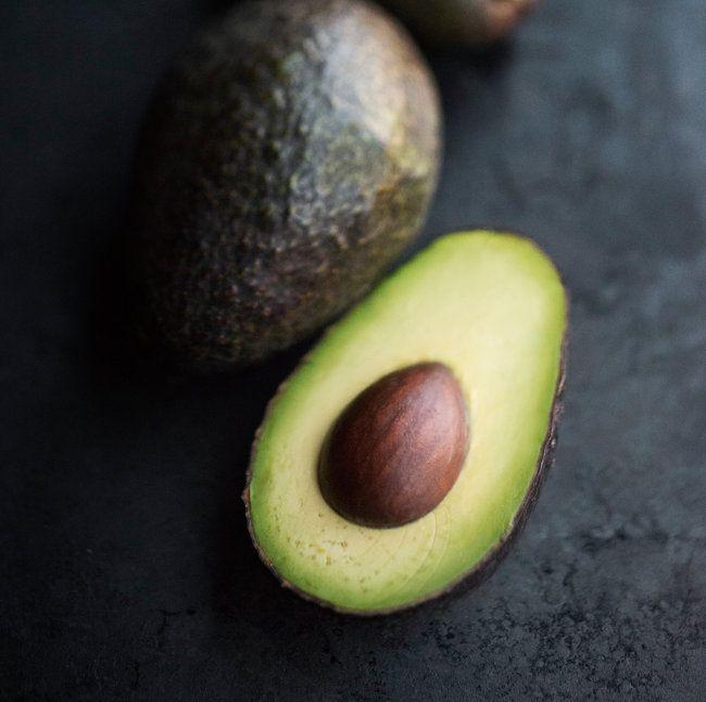 avocado-gettyimages-523464171