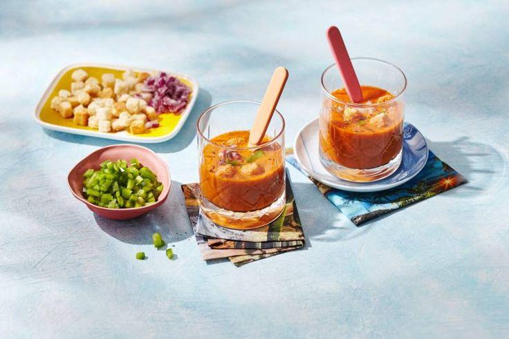 In 10 minuten tijd een heerlijke gazpacho maken? Kan! - Recept - Allerhande