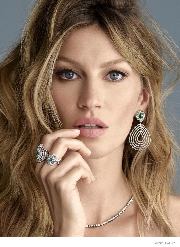 GISELE-BUNDCHEN IN VIVARA JEWELRY CHRISTMAS 2014 CAMPAIGN