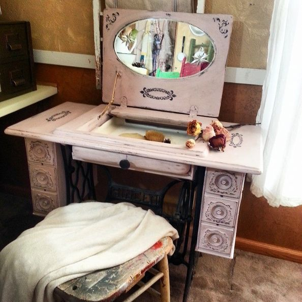 Sewing Machine Vanity http://www.hometalk.com/6430989/repurposed-sewing-machine-table-to-vanity