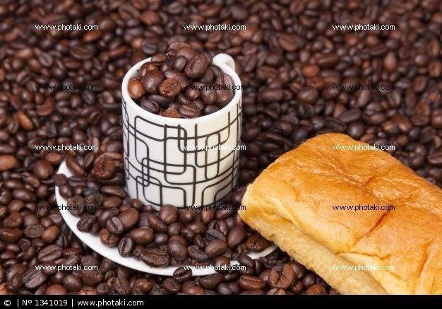 http://www.photaki.com/picture-beans-and-coffee-cup_1341019.htm