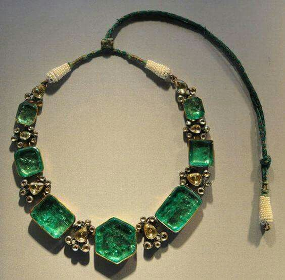 Necklace (Kanthi), India probably Hyderabad, 1850-1900 Gold Set with Emeralds, Silver Set with Diamonds,