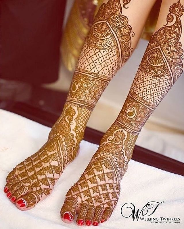 Mehendi love Photo: @weddingtwinkles #weddings #indianbride #indianwedding #weddingidea #mehendi #mehendiart #henna #hennatattoo #weddingphotography #bridal #bridalmehndi #hennalove #weddingdetails #weddinginspo #inspirational #instalove #instagood #instawedding #instabride #bridaldetails