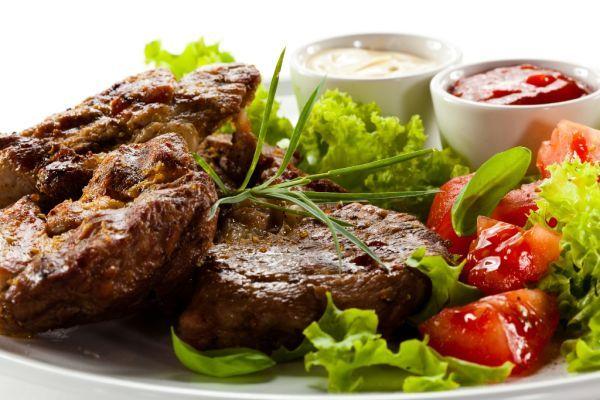 Hovädzie rezne v strúhanke - Recept pre každého kuchára, množstvo receptov pre pečenie a varenie. Recepty pre chutný život. Slovenské jedlá a medzinárodná kuchyňa