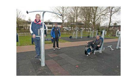 Outdoor fitness toestellen van KOMPAN - speeltoestellen - KOMPAN Speeltoestellen en Speelplekken - KOMPAN