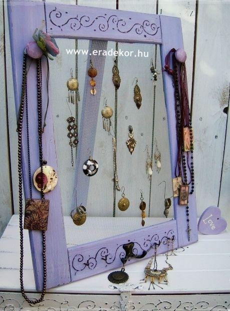 Levendula-lila hálós ékszertartó keret, levehető talppal. Fotó azonosító: EKSZHALL4