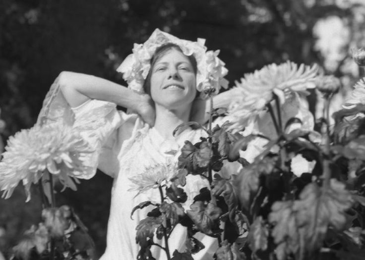 Charmian London, Jack London's second wife. Married until the death of the famed author of 'Call of the Wild' and 'White Fang' in 1916.