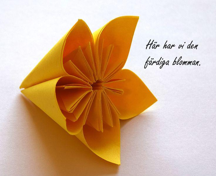 Origami kusudama – en enkel steg för steginstruktion  Origami är konsten att vika alla möjliga figurer med enbart papper. Det härstammar från början från Japan där de är o…