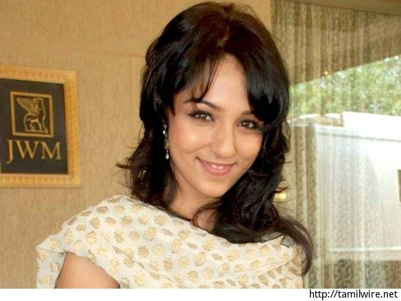 Lekha Washington 'solemnizes' living-together mode with Bablo Chatterjee - http://tamilwire.net/63976-lekha-washington-solemnizes-living-together-mode-bablo-chatterjee.html
